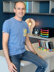 L'Atelier Montpellier Aménagement qui réalise des meubles sur mesure est dirigé par Laurent Sideris.(® SAAM-Fabrice Chort)