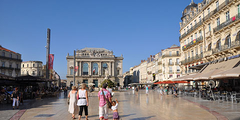 Guide des commerces du centre-ville de Montpellier qui recense les magasins, les boutiques, les commerces, les échoppes et les restaurants où on peut faire du shopping en centre-ville de Montpellier.(® SAAM)