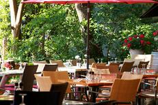 La Jalade Montpellier Restaurant propose une belle terrasse près des tennis dans le quartier Hopitaux-Facultes (®networld-Fabrice Chort)