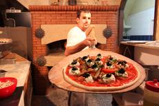 Pizza au feu de bois Montpellier à la Pizzeria du Palais en centre-ville (® NetWorld-Fabrice Chort)