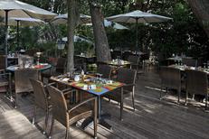 Terrasse du restaurant Le Bazar dans le quartier Aiguelongue de Montpellier (credits photos :Le Bazar)