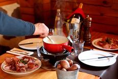 Restaurant fondue Montpellier au Chalet Chamoniard Lattes est un restaurant traditionnel  (® SAAM-fabrice Chort)