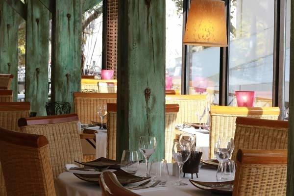 Le tournesol restaurant traditionnel clermont l 39 h rault montpellier - Centre de table restaurant ...