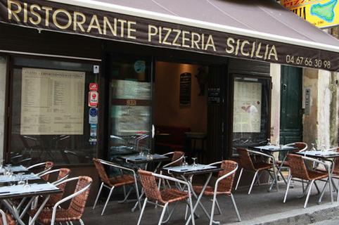 Terrasse de la Pizzeria Sicilia au bas de la rue du Pila Saint Gély au centre-ville de Montpellier (credits photos :EDV-Fabrice Chort)