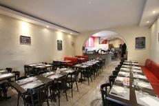 Belle salle de restaurant de la Pizzeria Sicilia au bas de la rue du Pila Saint Gély au centre-ville de Montpellier (credits photos :EDV-Fabrice Chort)