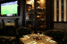 Au Bureau Montpellier Restaurant propose les retransmissions de matchs sur de nom à Odysseum face au Gaumont Multiplexe (® SAAM-Fabrice Chort)