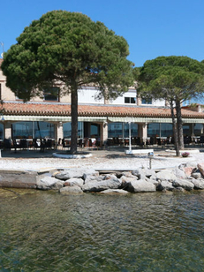 Hôtel-restaurant La Côte Bleue Bouzigues au bord de l'Etang de Thau (® NetWorld-Fabrice Chort)