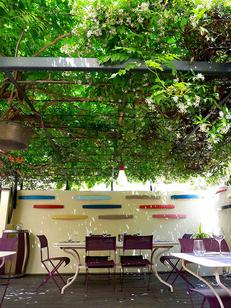 Les Gourmands Montpellier Restaurant de cuisine fait maison au centre-ville avec une magnifique terrasse aménagée en cente-ville (®SAAM-fabrice Chort)