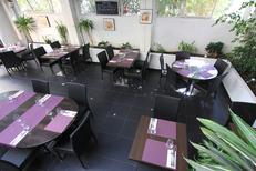 Les Gourmands Restaurant Montpellier propose une salle de restaurant lumineuse au centre-ville près du Corum(® networld-fabrice chort)