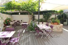 Restaurant Les Gourmands Montpellier et sa magnifique terrasse pour les beaux jours sur l'avenue Saint Lazare au centre-ville (® networld-fabrice chort)