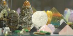 Mineraux à Montpellier et pierres fines de la boutique Dans les yeux de Gaïa au centre-ville (® networld-fabrice chort)
